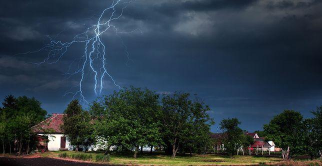 Dotkliwe skutki burz szalejących w województwie łódzkim