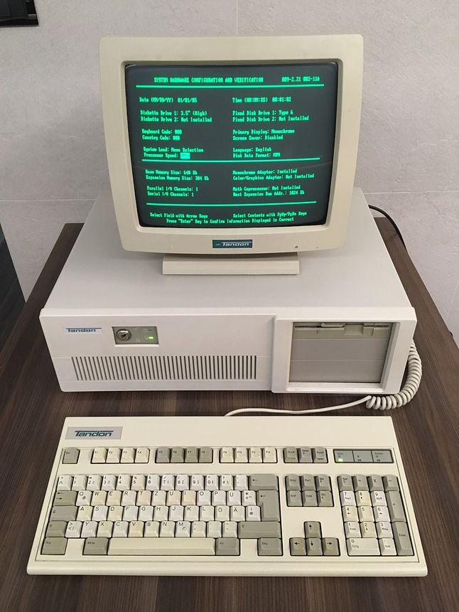 Klon IBM PC/AT firmy Tandon