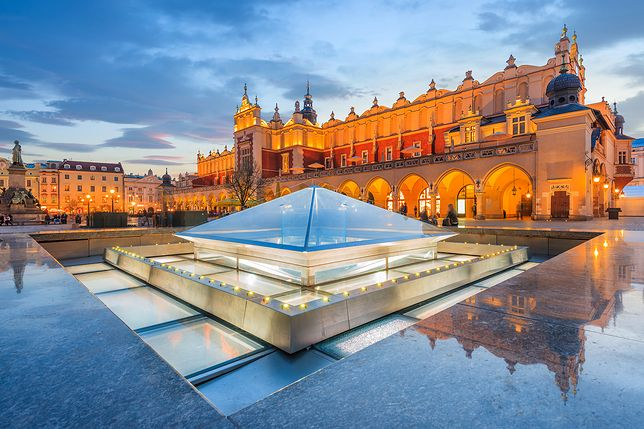 Sukiennice to ikona Krakowa, jeden z najbardziej rozpoznawalnych budynków