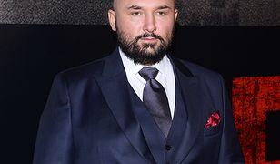 """Emil Stępień odpowiada Patrykowi Vedze. Zdradza też nowego reżysera """"Pitbulla""""! To wielkie zaskoczenie"""
