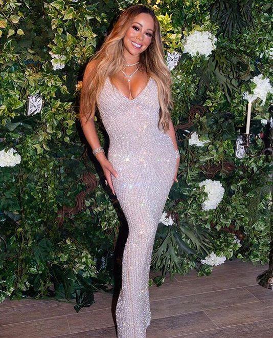 Mariah Carey na rajskich wakacjach. Pozuje w kostiumie kąpielowym