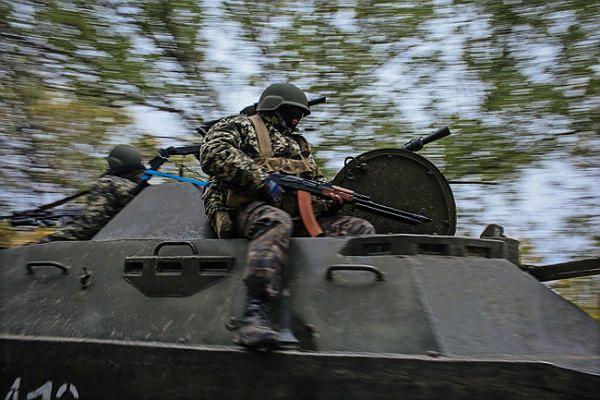 Mimo rozejmu wciąż trwają walki między prorosyjskimi rebeliantami a siłami Ukrainy