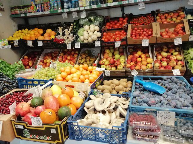 """W Polsce trwa boom na warzywniaki. """"Jeśli chodzi o śliwki, hipermarket nie ma szans"""""""