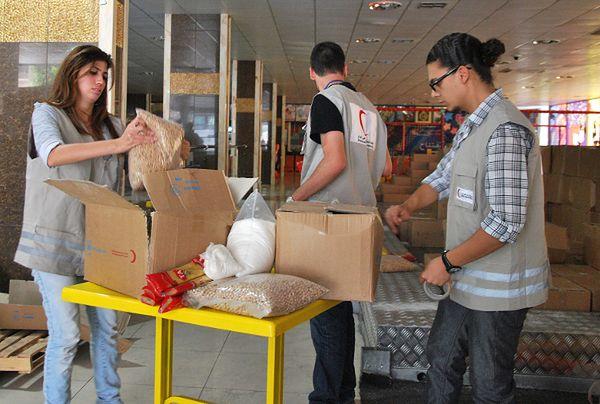 Pomoc żywnościową do Syrii dostarcza już Czerwony Półksiężyc
