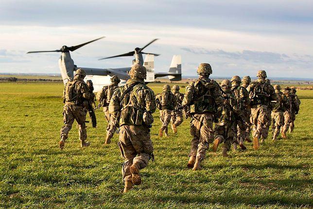 Żołnierze 173 Brygady Powietrznodesantowej USA podczas ćwiczeń.