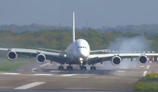 Orkan Ksawery utrudnił lądowanie samolotu w Niemczech.