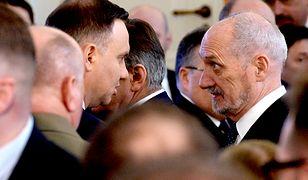 Prezydent Andrzej Duda z szefem MON Antonim Macierewiczem