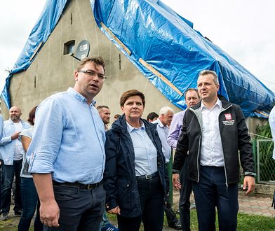 Beata Szydło na zniszczonych terenach