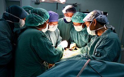 Eksperci: pakiet onkologiczny zaledwie o trzy dni skrócił czas oczekiwania na leczenie