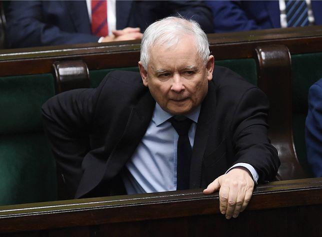 """Tajne głosowanie tylko z nazwy. Jarosław Kaczyński ma ustalać """"nazwiska zdrajców"""""""