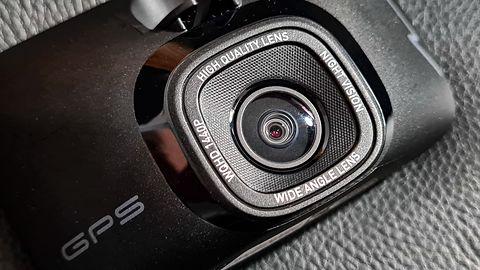 Test Mio MiVue 812: Kamerka z 2K, GPS i bazą fotoradarów