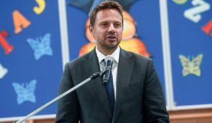 Rafał Trzaskowski tłumaczy zmiany w szkołach