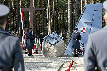 Uroczystości ku czci ofiar katastrofy samolotu CASA