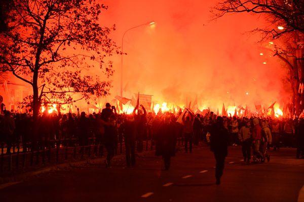 176 osób doprowadzonych na komisariaty po burdach w Święto Niepodległości