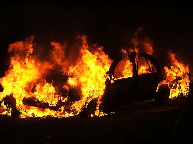 Tragedia w Opolskiem. Dwie osoby spłonęły w aucie