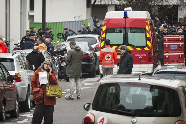 """Relacja świadka zamachu na """"Charlie Hebdo"""". """"To trwało pięć minut"""""""
