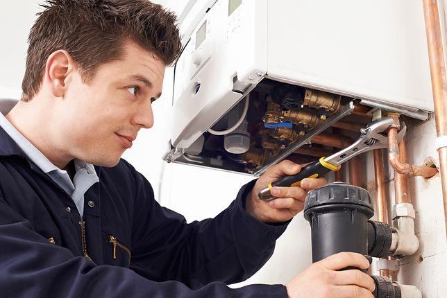 Ignorowanie usterek pojawiających się na wyświetlaczu kotła bywa przyczyną obniżenia sprawności urządzenia, które będzie spalać większą ilość paliwa.