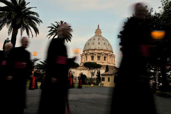 Biskupi pod bazyliką św. Piotra