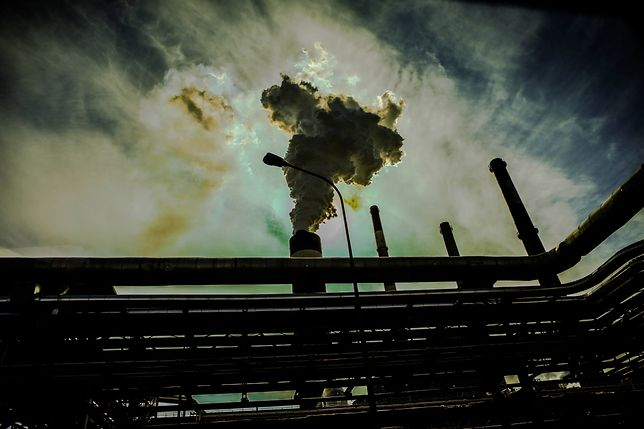 Rząd w Holandii otrzymał nakaz redukcji emisji CO2 do 2020 r.