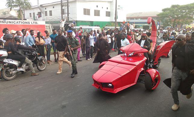 Pojazd Nigeryjczyka na paradzie w czasie karnawału Calabar