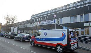 Koronawirus w Polsce. Warszawa. Lekarze szpitala na Banacha chcą pozwać zakażonego