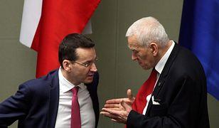 Ksiądz Tomasz Jagierski domaga się od Kornela Morawieckiego, ojca premiera Mateusza Morawieckiego, zwrotu blisko 100 tys. zł.