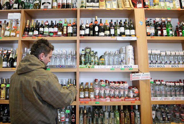 Żyradów, Piotrków Trybunalski oraz Sosnowiec to miasta, gdzie najbardziej wzrosła sprzedaż alkoholu