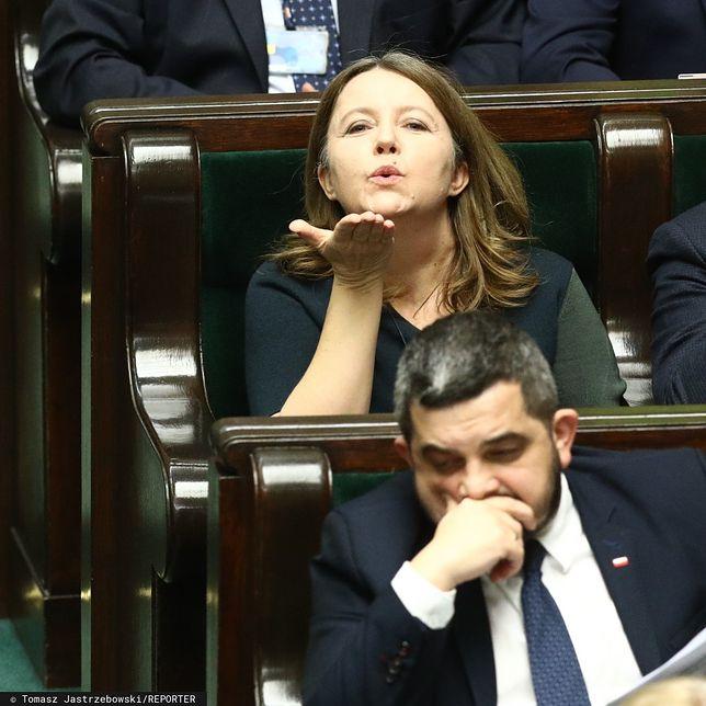 """Joanna Lichocka przeprasza za gest w Sejmie. """"Nie miałam złych intencji"""""""
