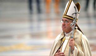 """Papież Franciszek przybył na Mauritius. Pielgrzymka pod hasłem """"Pielgrzym pokoju"""" zajmie zaledwie 9 godzin"""