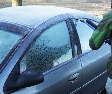 Najlepsze sposoby na zamarznięte szyby w samochodzie