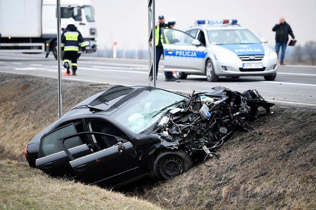 Wypadki drogowe kosztują nas miliardy złotych. Rząd zamyka oczy na koszty do 2019 r.