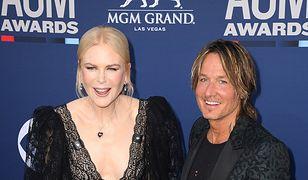 Nicole Kidman na rozdaniu nagród ACM. Postawiła na głęboki dekolt
