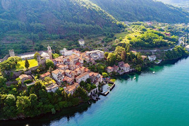 Corenno Plinio nad jeziorem Como to jedno z najpiękniejszych miejsc na terenie Lombardii