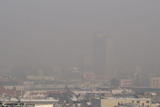 Katowice przykryte smogiem.