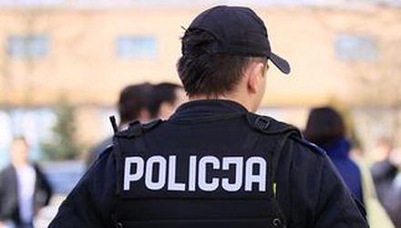 Policjant nie może mieć warkocza