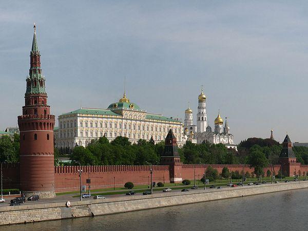 Rosyjskie MSZ o przedłużeniu sankcji przez USA: próbują zerwać miński proces