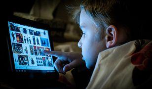 82% rodziców potwierdziło, że ich dzieci korzystają z komórek i tabletów