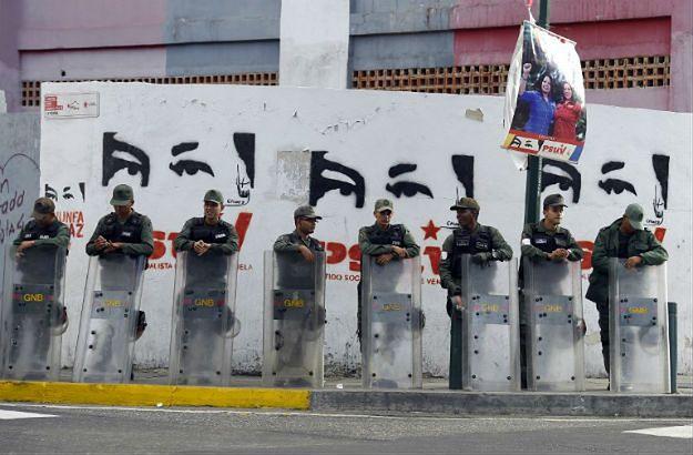 Poważny kryzys w Wenezueli - gigantyczna inflacja i puste półki. Nie kończy się na recesji, bo polityczny pat również wyniszcza kraj