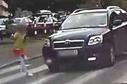 #DZIEJESIEWMOTO [120]: dziewczynka na przejściu, samochód jadący chodnikiem i pościg za motocyklem