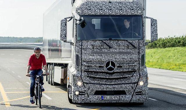 System Blind Spot Assist w ciężarówkach Mercedes-Benz