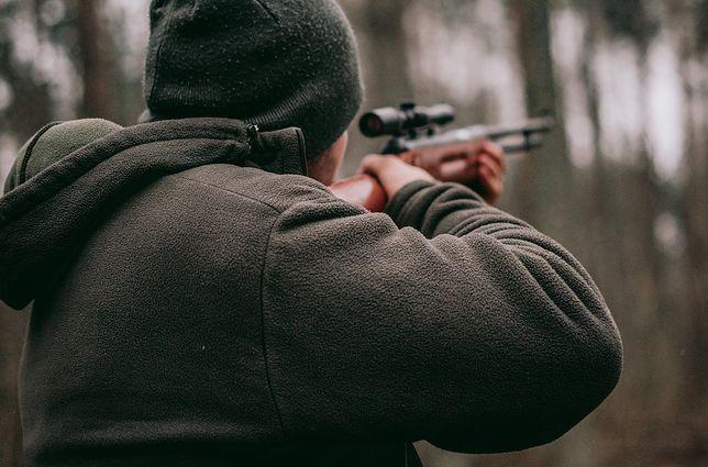 Amerykanie kochają broń. Nie widzą związku między łatwym dostępem do niej a masakrami