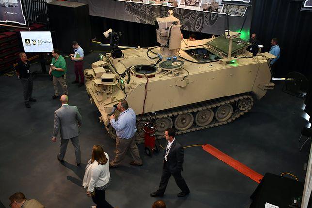 Robotyczny, uzbrojony pojazd na bazie transportera M113 Bradley