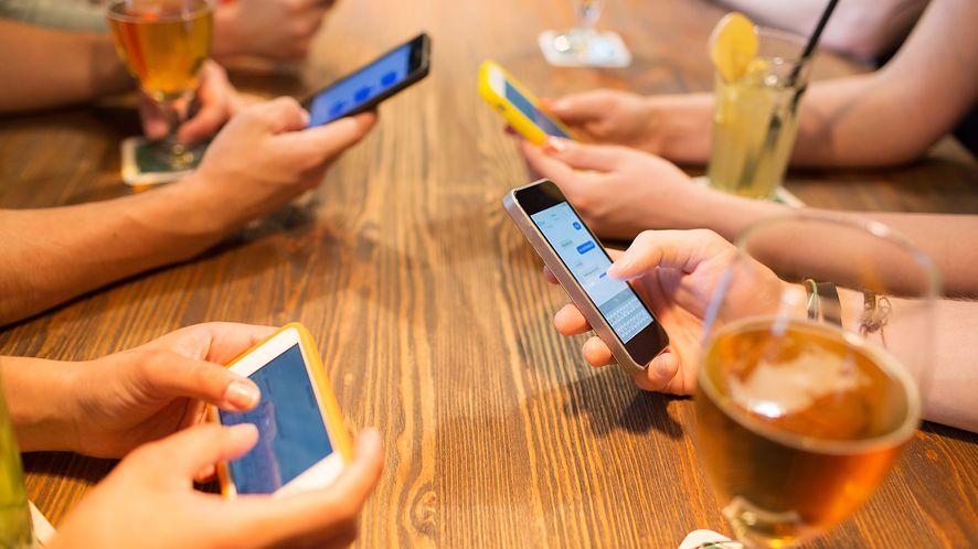 Facebook Messenger będzie automatycznie tłumaczył wiadomości