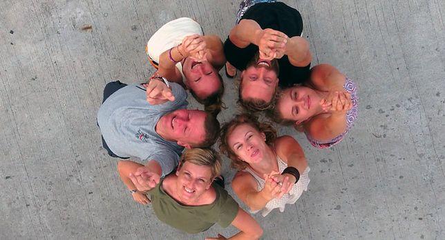 W 2006 r. Piotr i Małgosia otworzyli Polską Bazę i  Centrum Nurkowe w Tajlandii na wyspie Phuket
