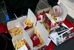 KFC sprzedawało kubełki za złotówkę. Gigantyczna kolejka chętnych na promocję