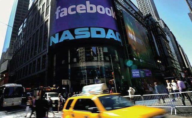 Model biznesowy Facebooka - na czym i w jaki sposób tak naprawdę zarabia gigant?