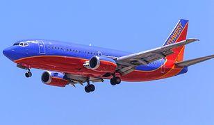 USA - pasażer chciał otworzyć drzwi samolotu podczas lotu