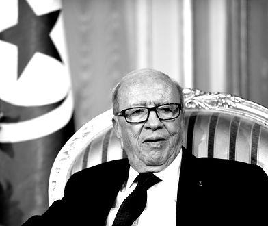 Prezydent Tunezji Bedżi Kaid Essebsi zmarł w wieku 92 lat.