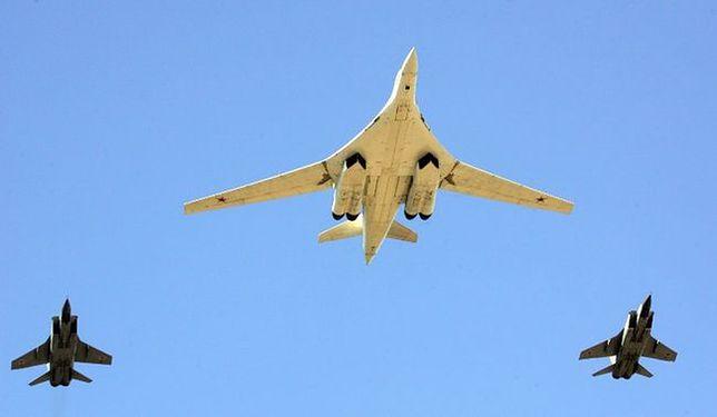 """Tu-160 - rosyjski """"nadbombowiec"""" strategiczny"""