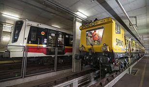 Warszawa. Metro szlifuje tory